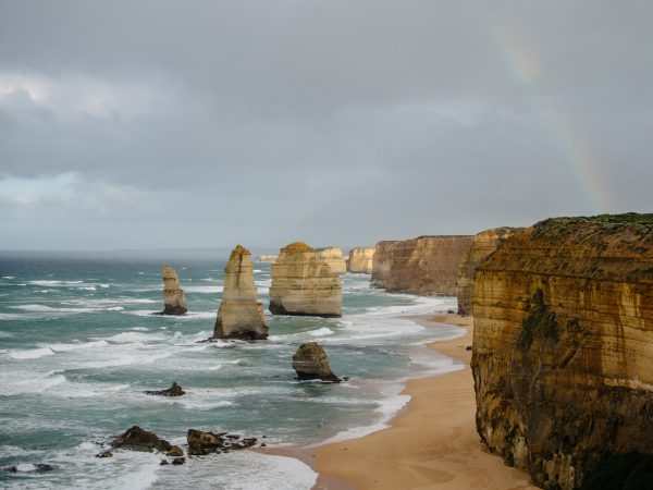 great ocean road 12 apostles at sunrise