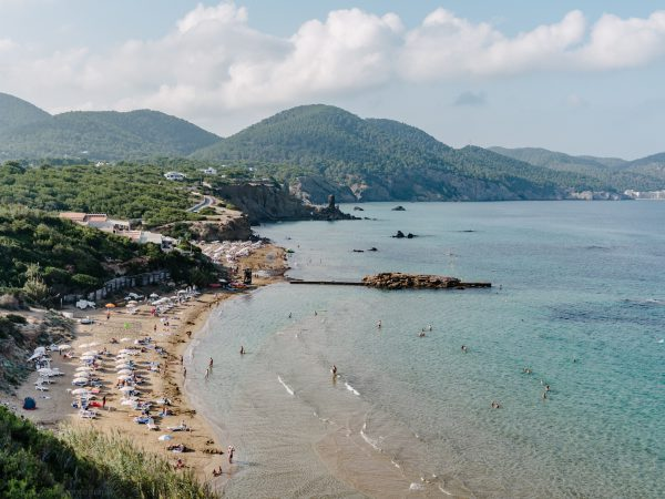 ibiza with kids - our 6 favorite family friendly beaches in santa eularia
