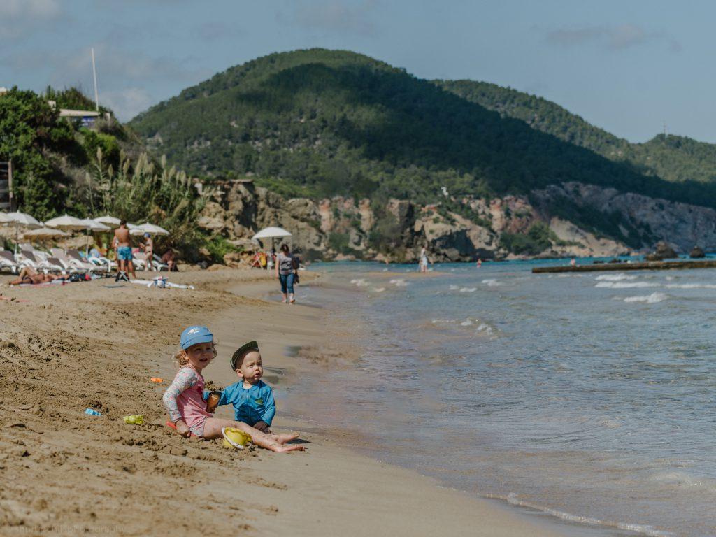 ibiza with kids - our 6 favorite family friendly beaches in santa eularia kids on the beach