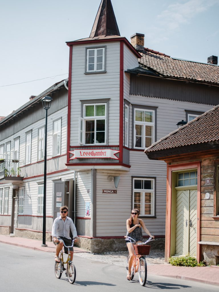 Estonia with baby - our 3 days road trip itinerary Viljandi street