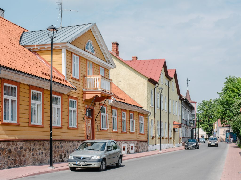 Estonia with baby - our 3 days road trip itinerary Viljandi city center
